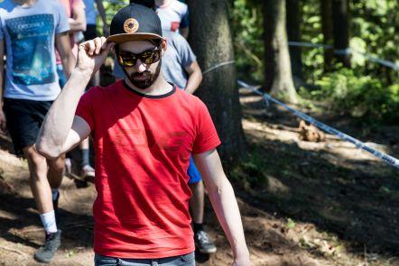 Der ehemalige 4X Weltmeister Aiko Göhler setzt in letzter Zeit verstärkt auf Downhill.jpg