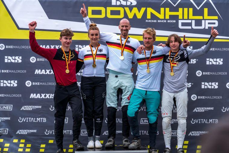 Die Deutschen Downhill Meister 2021 der Junioren und Masters © Sebastian Gruber